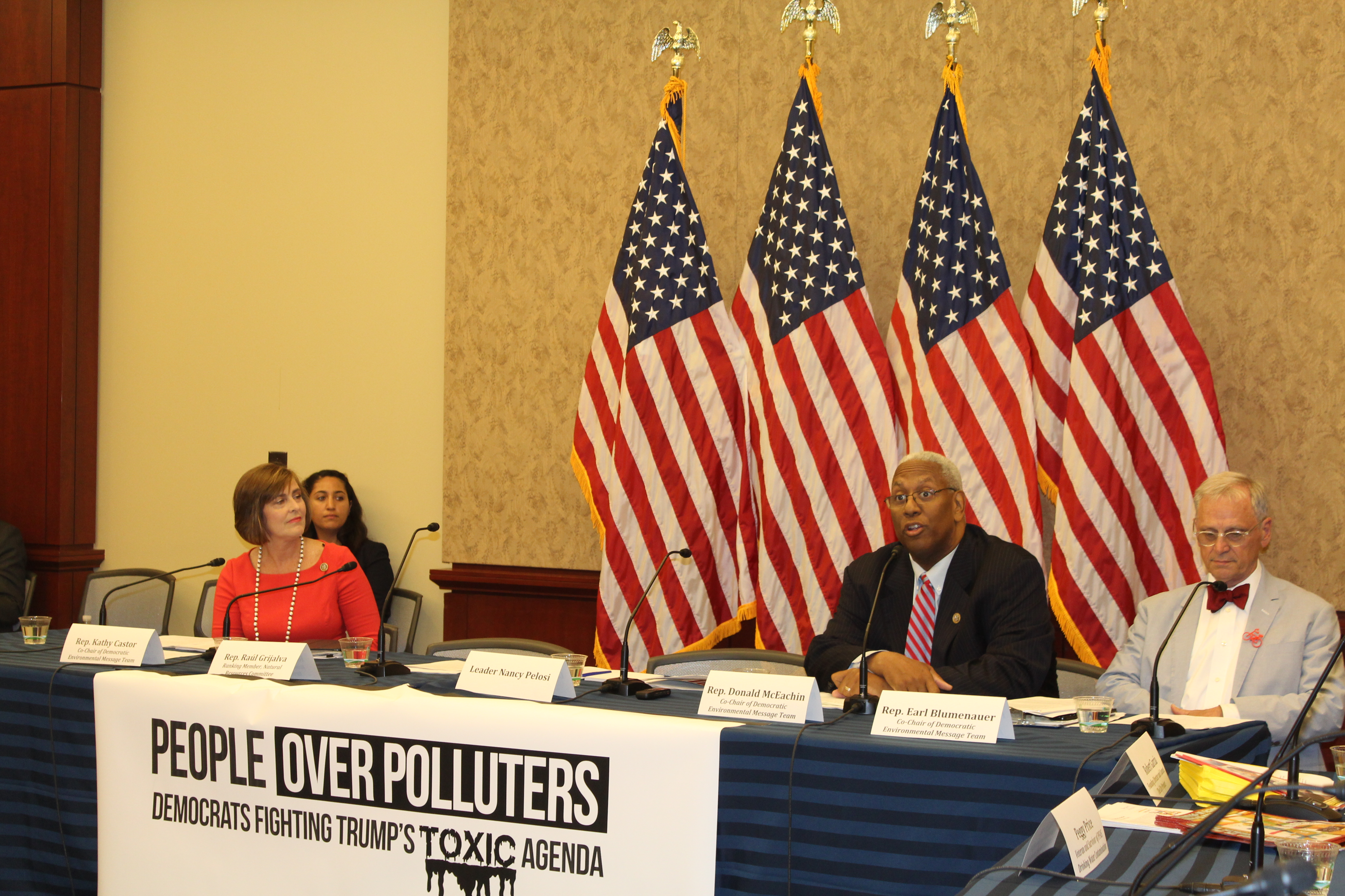 Rep. McEachin kicked off House Democrats' People Over Polluters Forum